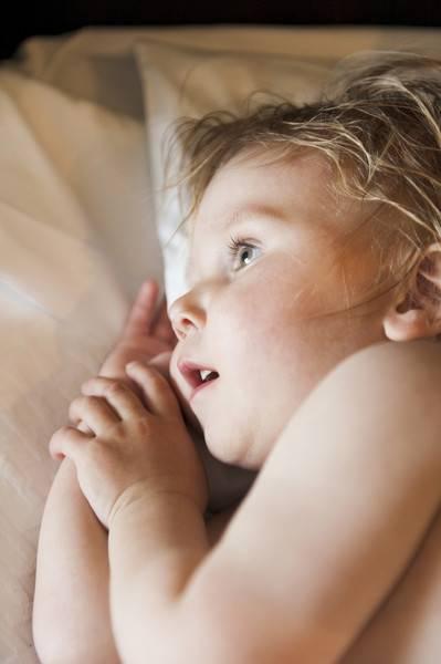 Обильное выделение пота в области головы у грудных детей