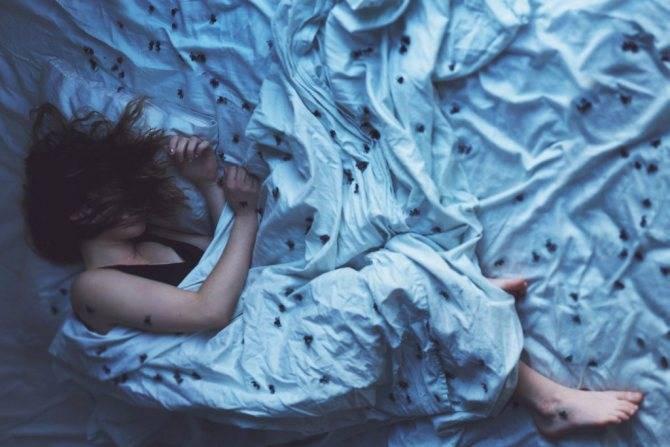 Подергивания ног во сне