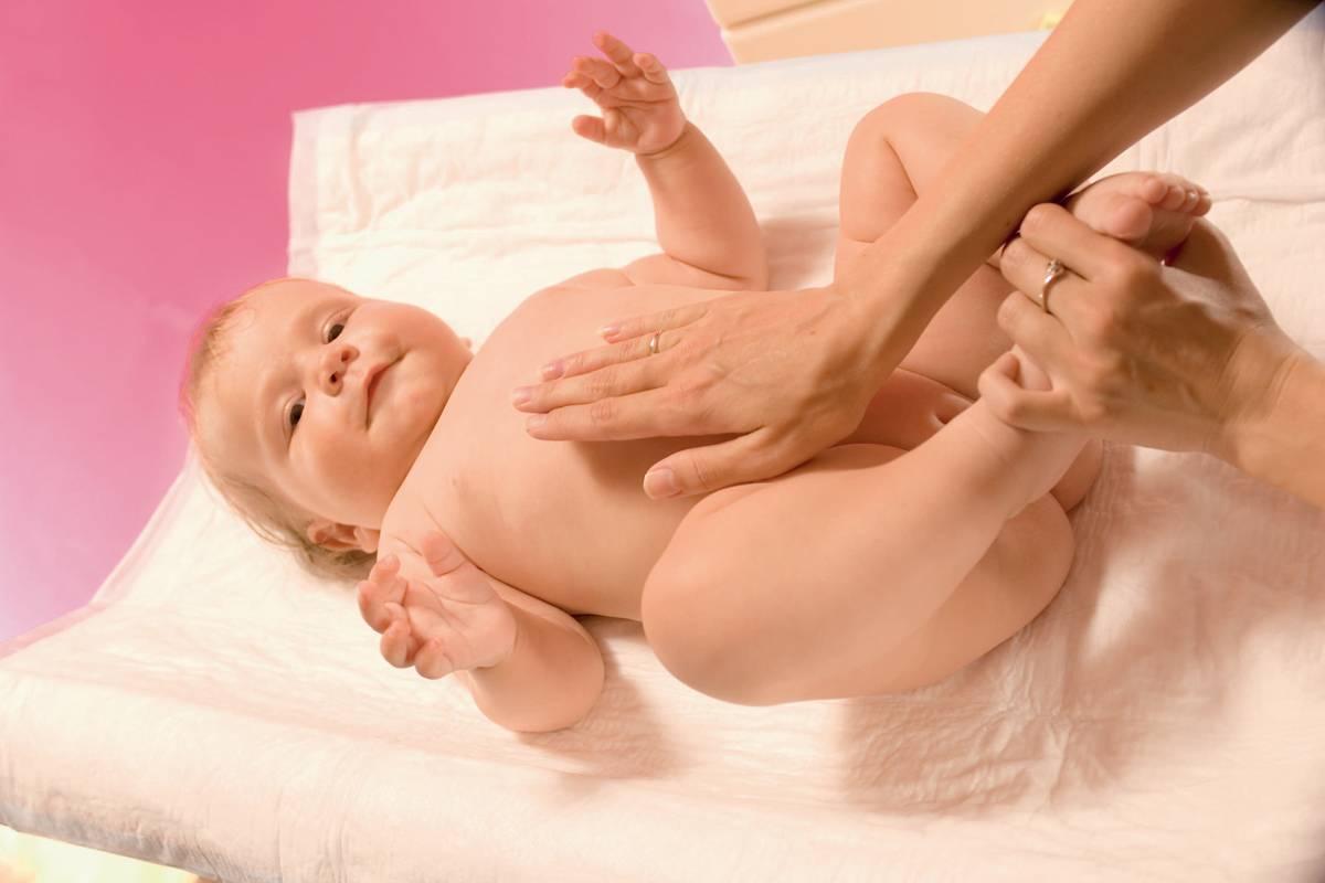 Как правильно сделать клизму новорожденному ребенку