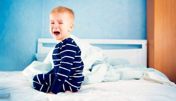 Почему новорожденный ребенок плачет, причины плача, как понять и успокоить малыша