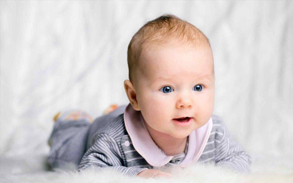 Мир глазами младенца: как и что видят дети в 1 месяц?