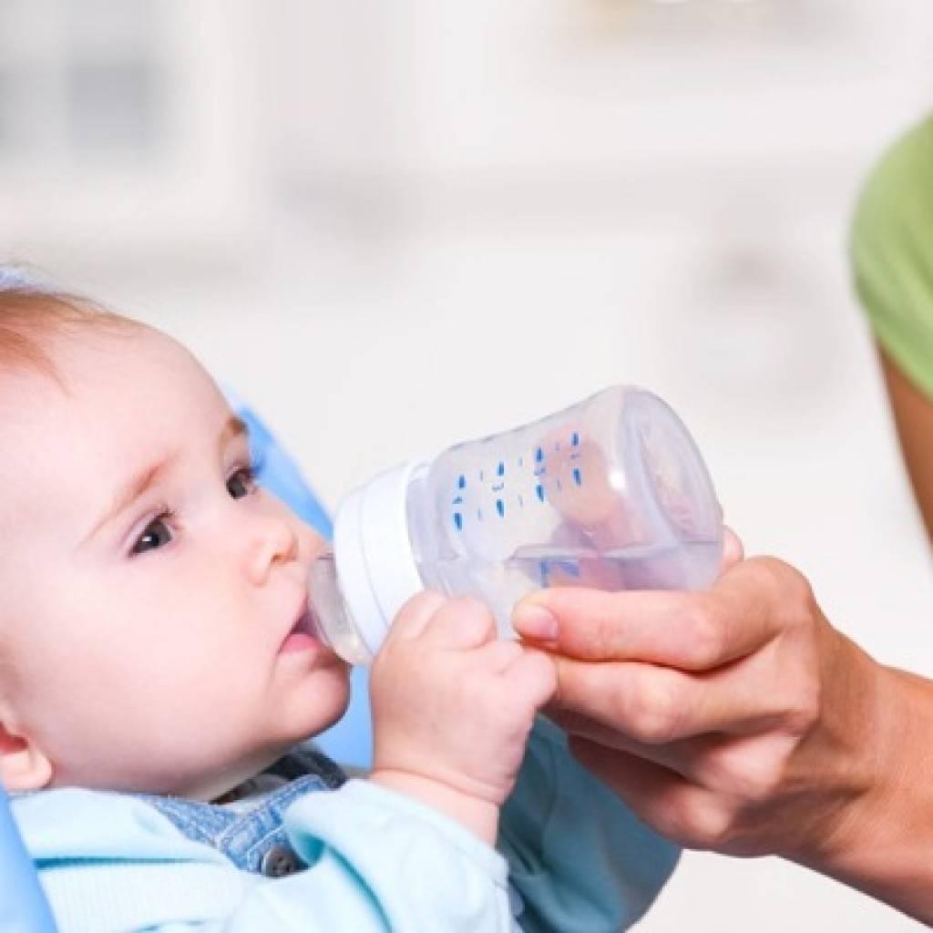 Ребенок не пьет воду — что делать на ИВ и ГВ
