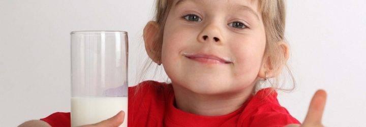 Козье молоко для грудничка: с какого возраста можно давать ребенку на грудном вскармливании?