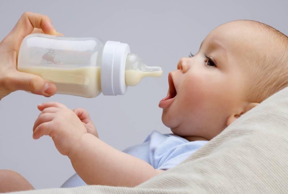 Кормить или лечить — для чего предназначены кисломолочные смеси для новорожденных?