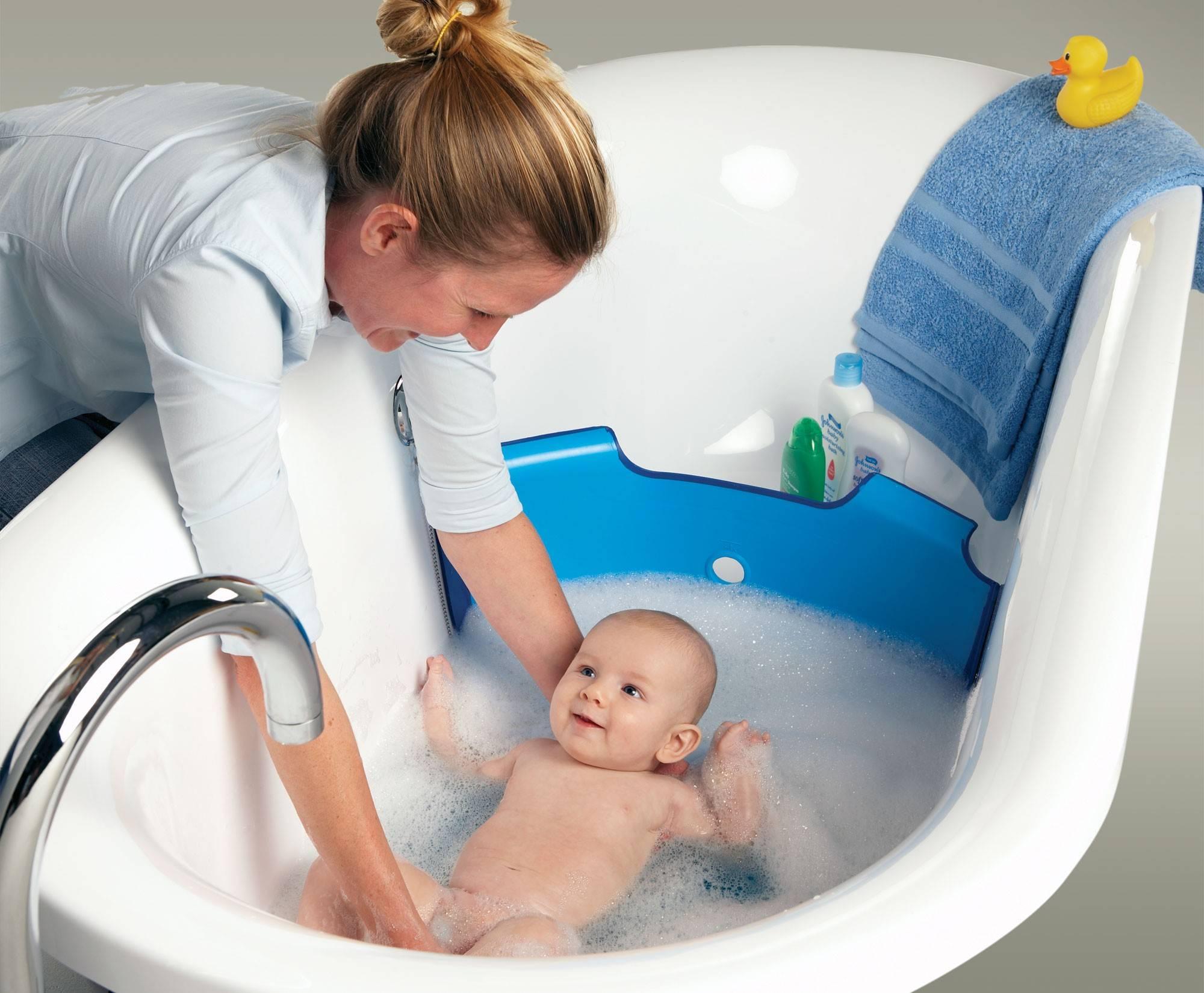 Ребенок плачет после купания: почему плачет во время купания грудничок и новорожденный, что делать при истериках