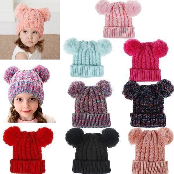 Зимние и легкие вязаные шапки на новорожденных на спицах — 16 моделей