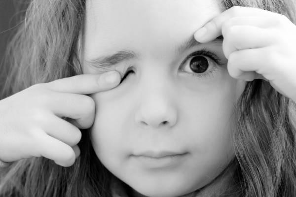 Почему болят глаза у ребенка