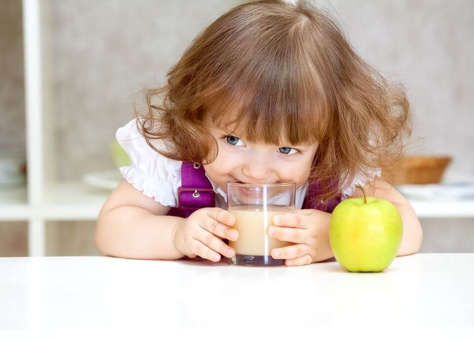 Когда и как правильно вводить сок в прикорм
