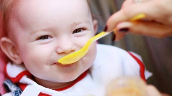 Сколько съедает ребенок в 1 месяц: молока, смеси