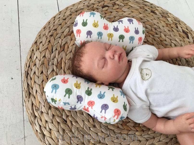 Как класть ортопедическую подушку ребенку? | метки: новорожденный, новорожденный