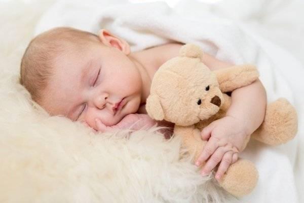 Молочные корочки на голове младенца
