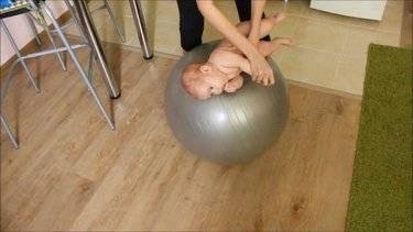 Гимнастика для новорожденного. есть вопросы.