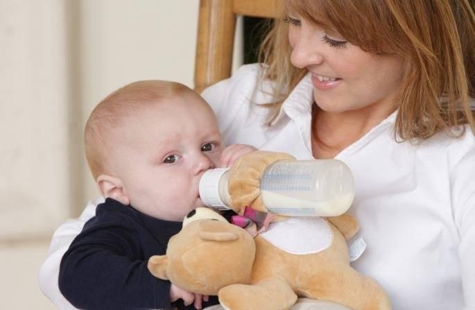Как правильно отучить ребенка от бутылочки? советы родителям