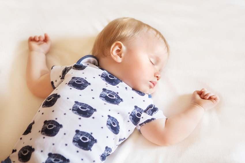 Полезная статья про сон грудничков