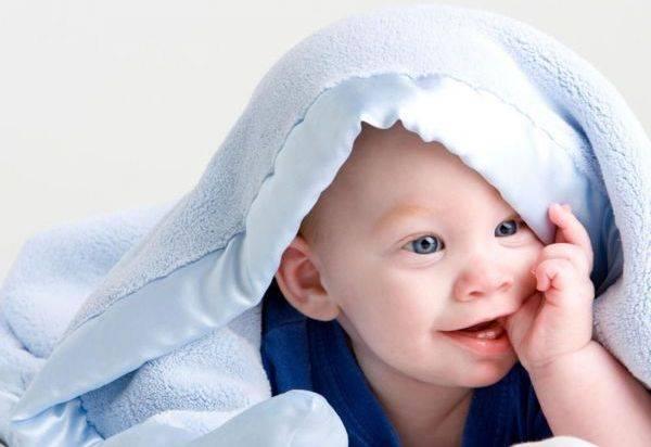 Детская кроватка: что внутри? матрас, пеленки, позиционер. кроватка для новорожденного