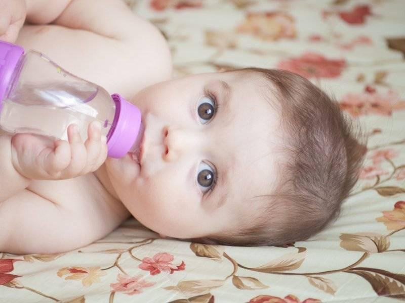 Инструкция для молодых мам: как заваривать укроп для новорожденных от колик и применять его правильно
