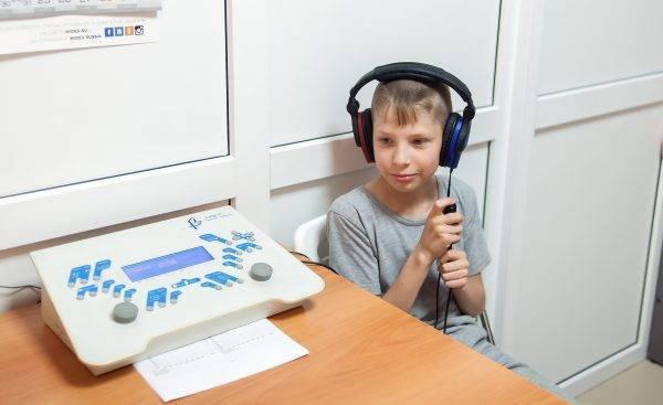 Как проверяют врачи слух ребенка в роддоме
