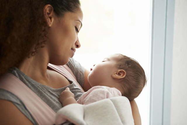 Как отучить ребёнка от укачивания и помочь ему научиться спать не на руках, а в кроватке