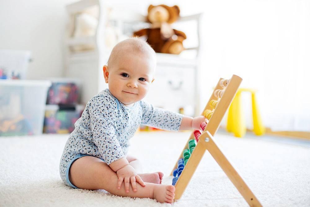 Чем занять годовалого ребенка дома