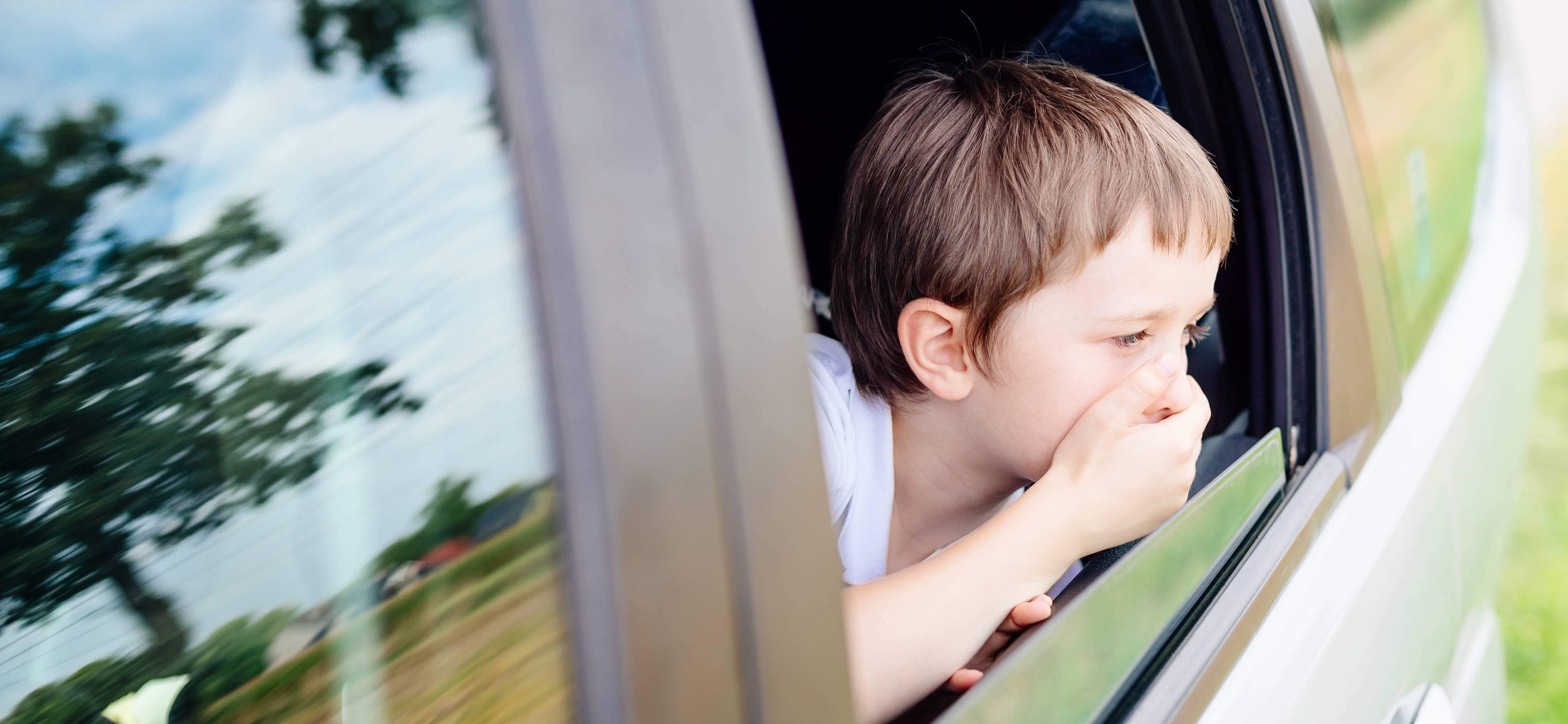 Ребенку 1,3 годика, укачивает в машине!