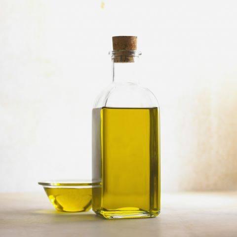 Вазелиновое масло – свойства, применение, показания