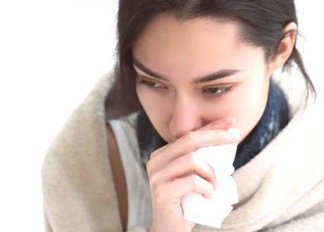 У ребенка из за насморка болит ухо чем лечить
