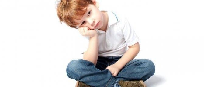 Сыпь в горле у ребенка: основные причины и первая помощь