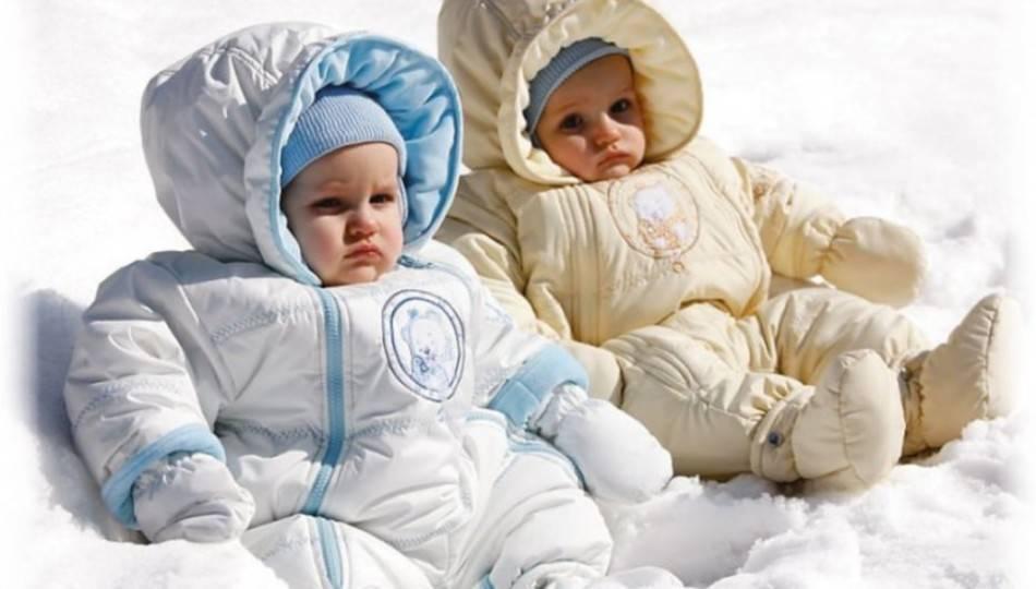 Можно ли гулять с грудничком вечером зимой. сколько гулять с новорожденным зимой? рекомендации специалистов