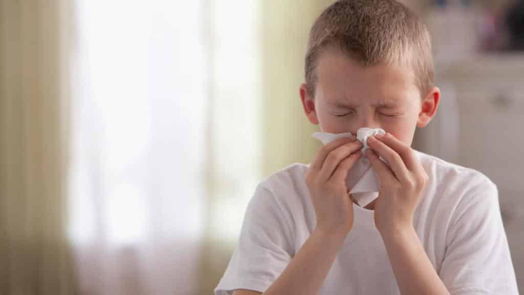 Сопли у ребенка: прозрачные, густые, желтые или зеленые — основные причины и способы лечения. как правильно лечить все виды соплей у ребенка с температурой или без.
