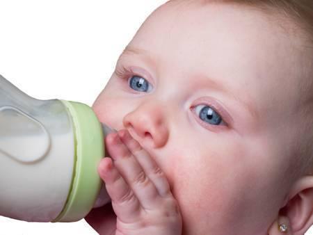 Когда можно давать белок яйца ребенку?