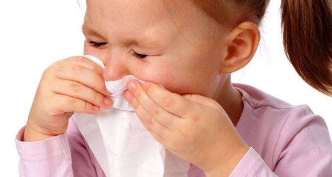 Можно ли купать ребенка при кашле и насморке без температуры
