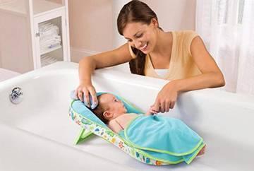 Купание новорожденного: температура воды, как купать, средства и травы для купания