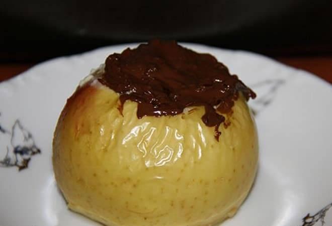 Печеное яблоко в 4 месяца