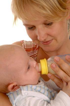 Какой смесью лучше докармливать новорожденного и как это правильно делать? обзор продуктов, советы мамам