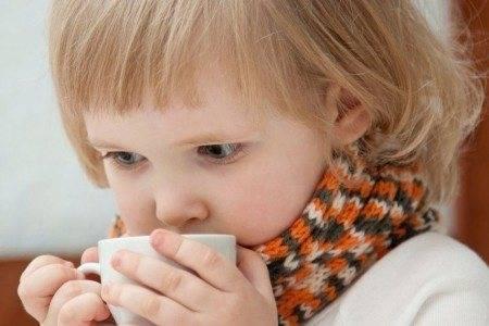 Ребенка рвет желчью без температуры: причины, что делать