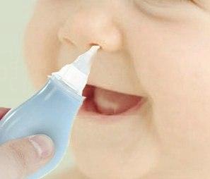 Как чистить нос новорожденному