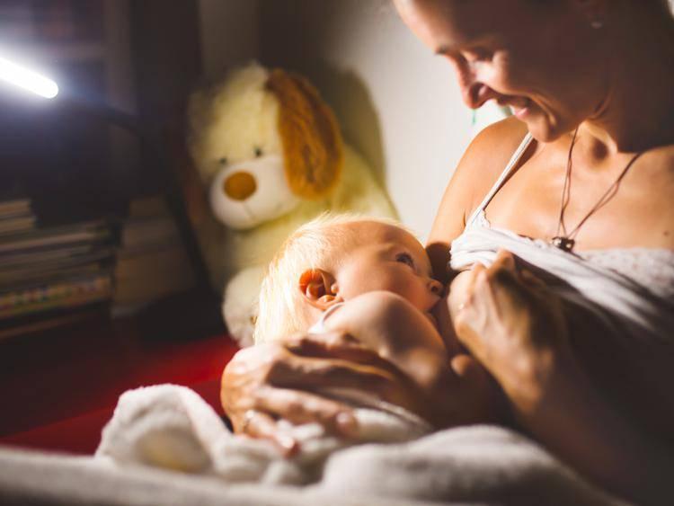 Ребенок в 6 месяцев плохо спит ночью: причины и решения