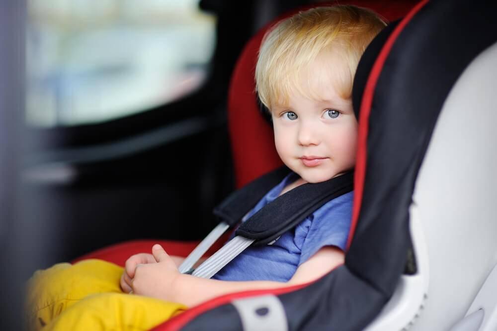 Правила перевозки детей в автомобиле. как перевозить грудного ребенка в автомобиле?