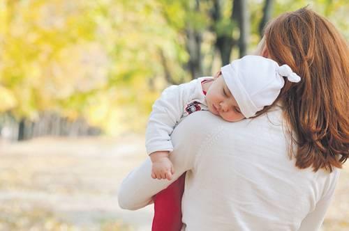 Кашель и насморк у грудного ребенка без температуры можно ли гулять