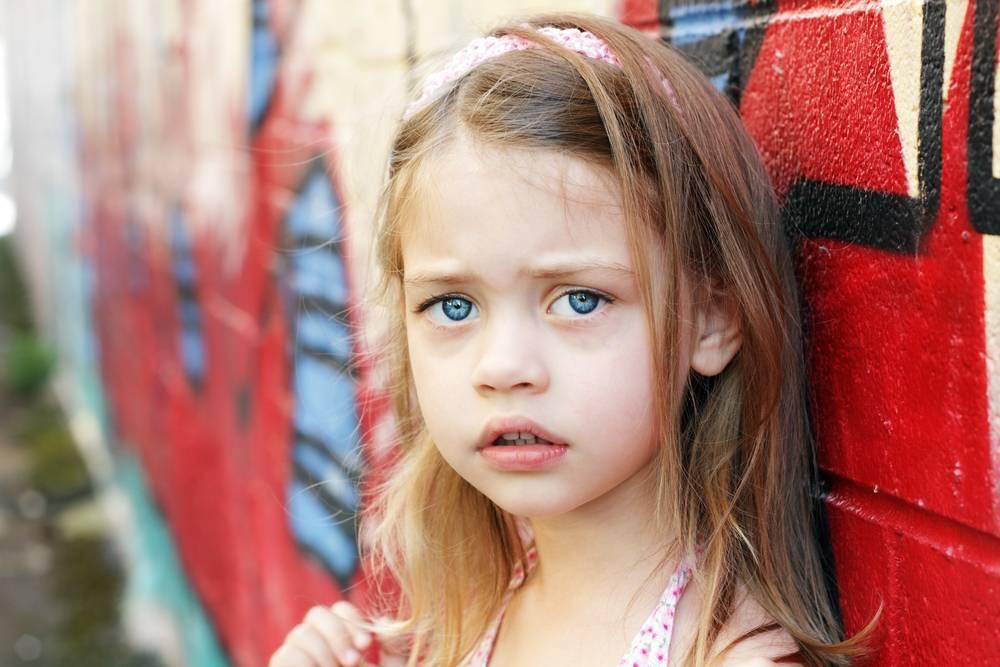 Синяки под глазами у детей: причины и что делать