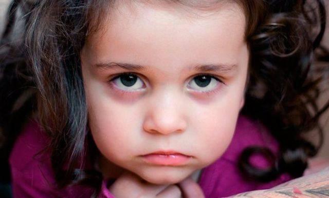 Почему синеет носогубный треугольник у новорожденного