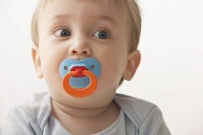 Как приучить ребенка к соске пустышке в 2 месяца