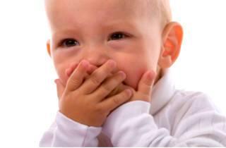 Инородное тело в носу у ребенка: симптомы и правила первой помощи