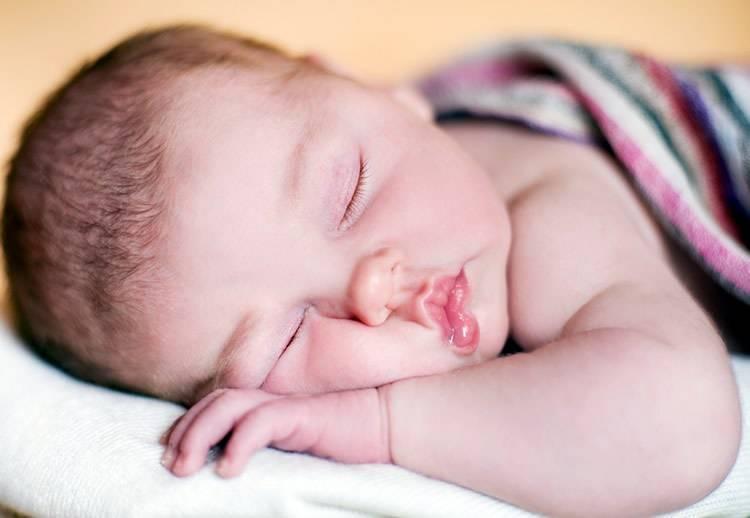 Почему ребенок плачет или кричит во сне?