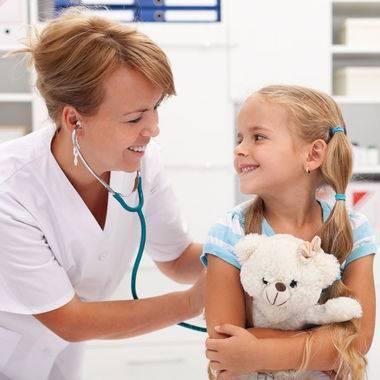 Подскажите, каких врачей нужно проходить в 2 года?