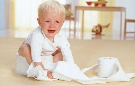Что делать, если новорожденный не может сходить в туалет по большому?