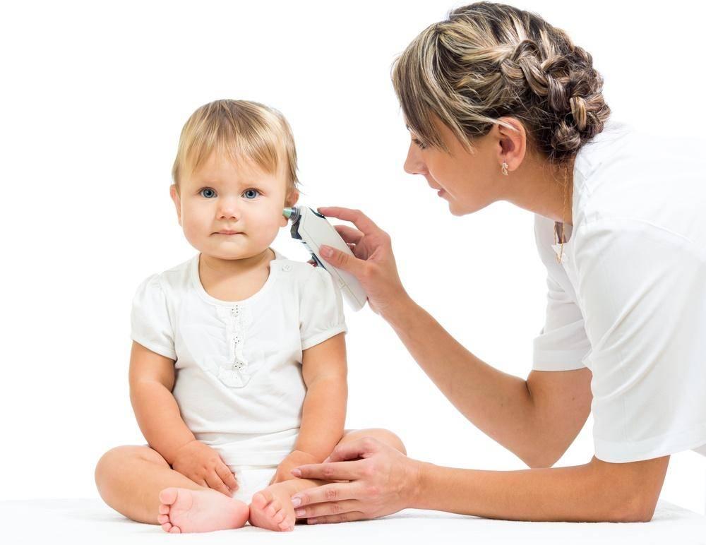 Что делать, если болит ухо у ребенка без температуры?