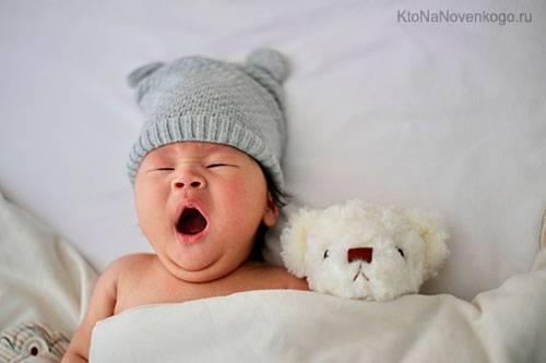 Что ребенок должен уметь в 8 месяцев: навыки и нормы развития
