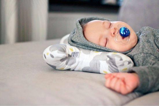 Подушка для кормления ребенка — незаменимая вещь при вскармливании + фото