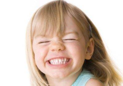 Что делать, если ребенок скрипит зубами во сне?